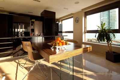 Appartements de luxe à Barcelone par la mer, avec une terrasse et une vue panoramique sur la côte